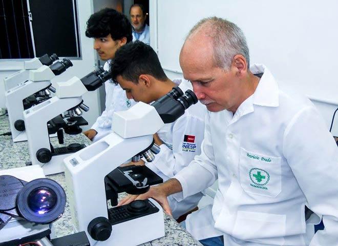 21 11 2017 - BIOMEDICINA - FASER - Laboratório Aula de Biologia Celular e Molecular com o Professor Renato Guedes Pinto (1)