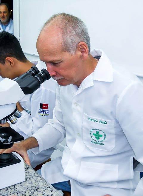21 11 2017 - BIOMEDICINA - FASER - Laboratório Aula de Biologia Celular e Molecular com o Professor Renato Guedes Pinto (3)